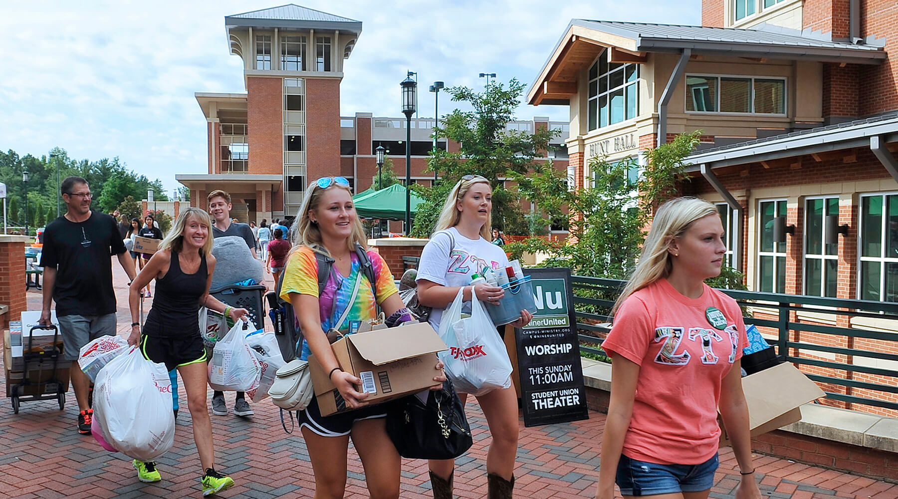 move in day at UNC Charlotte
